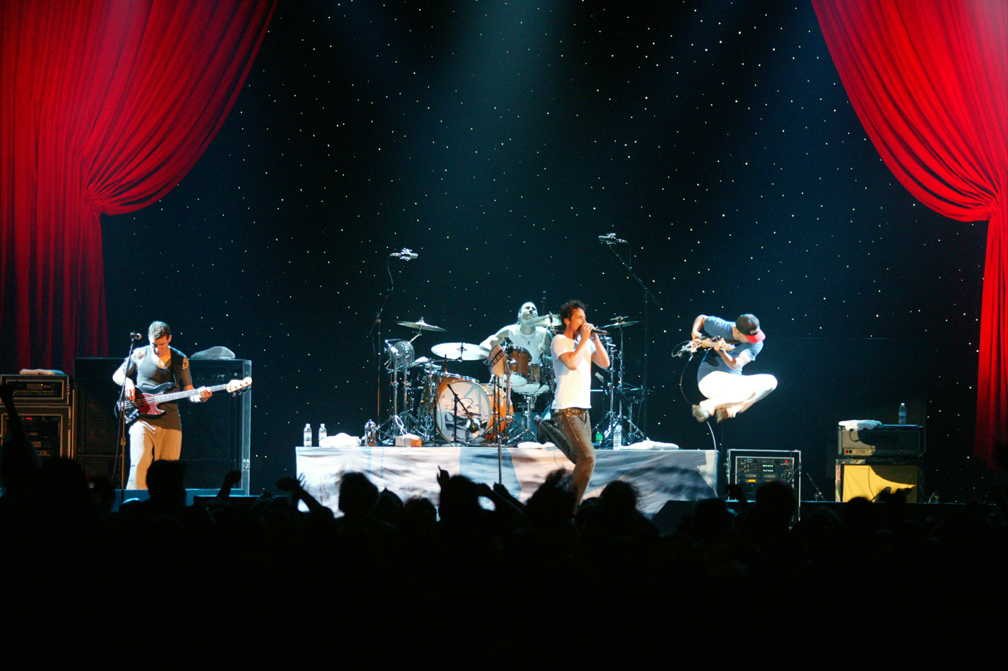 Audioslave performing live 09/25/2005 in San Francisco, California